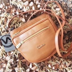 The PERFECT leather XBODYbag 🍂